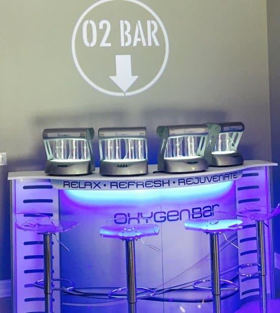 Lighted Sign O2 Bar